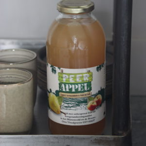 Biologische peer/appelsap