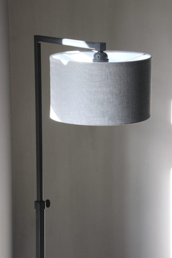 Lacio vloerlamp loodkleur