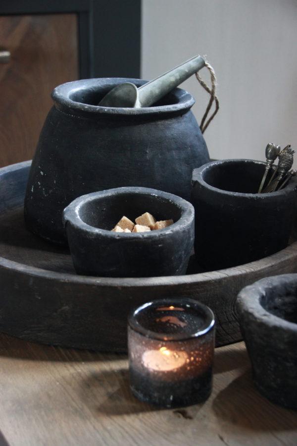Stenen pot zwart