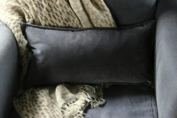 Velvet kussen Dark Grey 30 x 60 cm