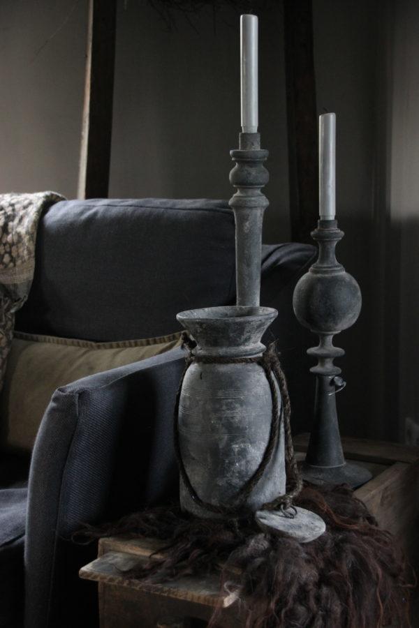 Nepalese kruik met deksel in antiek zwart
