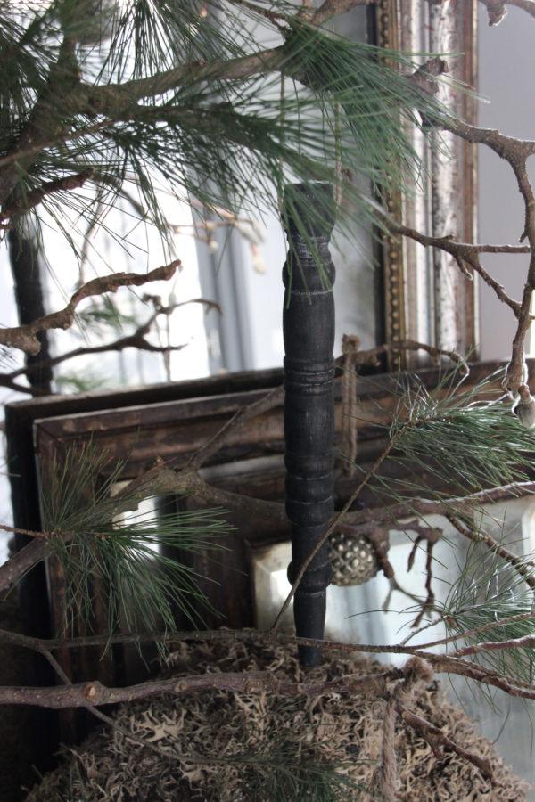 Grijze houten hanger / pegel