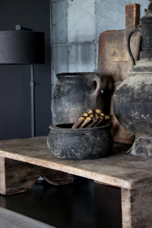 Oude zwarte pot uit Turkije