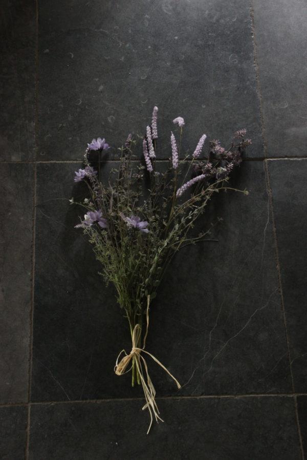 Mix van droogbloemen zijde boeket lila