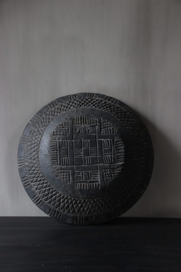 Wooden bowl carved Aura Peeperkorn