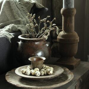 Oude houten deksel, te gebruiken als schaal