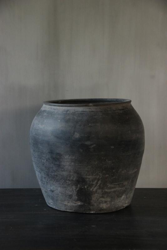Grijze terracotta kruik L