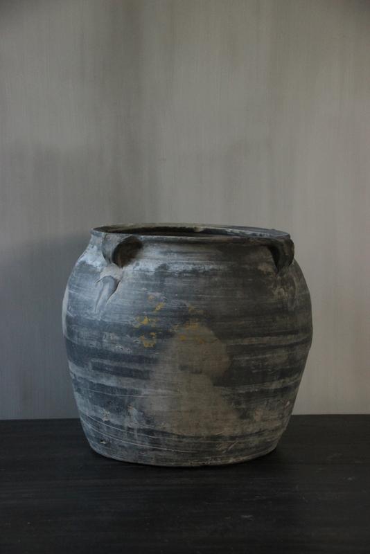 Grijze terracotta kruik M