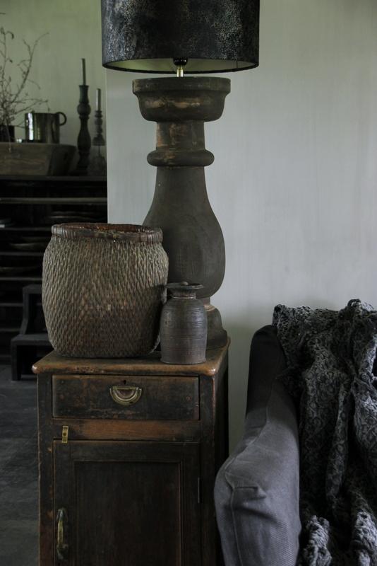 Oude rieten mand