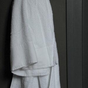 Badhanddoek Antibes wit 70 x 140 cm