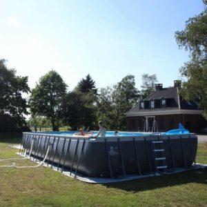 zwembad met zoutwatersysteem