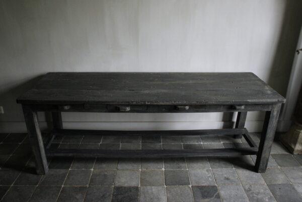 Wooden table unique Aura Peeperkorn