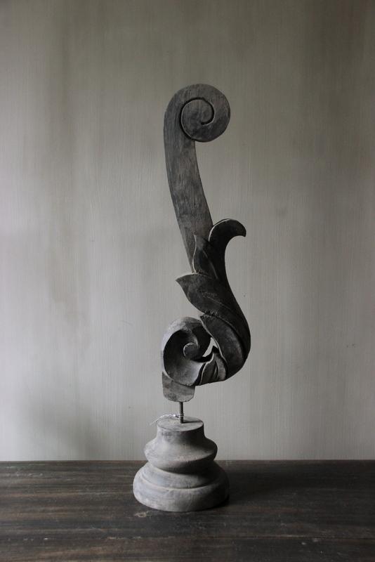 Ornament op statief XL antiek zwart