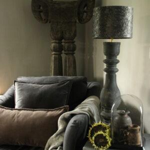 Antraciet houten balusterlamp Aura Peeperkorn